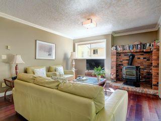 Photo 3: 4682 Lochside Dr in : SE Broadmead House for sale (Saanich East)  : MLS®# 882866