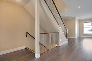 Photo 7: 1631 41 Street SW in Calgary: House for sale : MLS®# C3648896