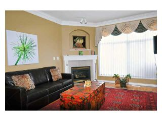 """Photo 2: 24 11358 COTTONWOOD Drive in Maple Ridge: Cottonwood MR Townhouse for sale in """"CARRIAGE LANE"""" : MLS®# V820880"""