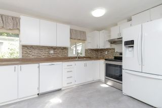 Photo 6: 122 2500 Florence Lake Rd in Langford: La Florence Lake Manufactured Home for sale : MLS®# 882957