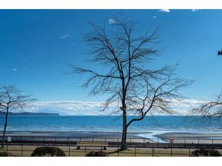 """Photo 2: 14843 MARINE Drive: White Rock Townhouse for sale in """"Marine Court"""" (South Surrey White Rock)  : MLS®# R2348568"""