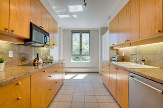 """Photo 12: 202 5850 BALSAM Street in Vancouver: Kerrisdale Condo for sale in """"THE CLARIDGE"""" (Vancouver West)  : MLS®# R2603939"""