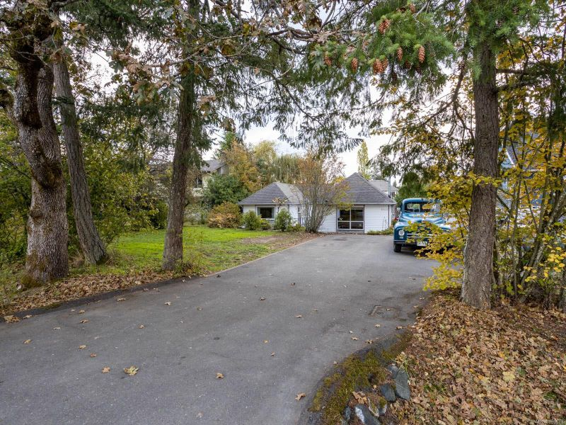 FEATURED LISTING: 1143 Clarke Rd