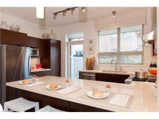 "Photo 8: 4525 PRINCE ALBERT Street in Vancouver: Fraser VE Townhouse for sale in ""Century Signature Collection"" (Vancouver East)  : MLS®# R2164653"