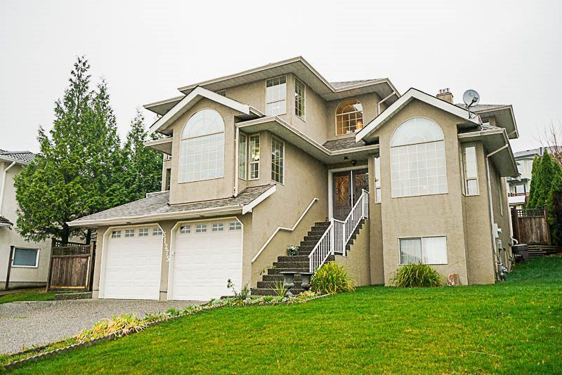 Main Photo: 31275 COGHLAN Place in Abbotsford: Abbotsford West House for sale : MLS®# R2224082