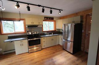 Photo 3: 5291 Meadow Creek Crescent in Celista: North Shuswa House for sale (Shuswap)  : MLS®# 10155135