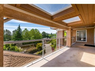 "Photo 9: 13557 55A Avenue in Surrey: Panorama Ridge House for sale in ""Panorama Ridge"" : MLS®# R2467137"