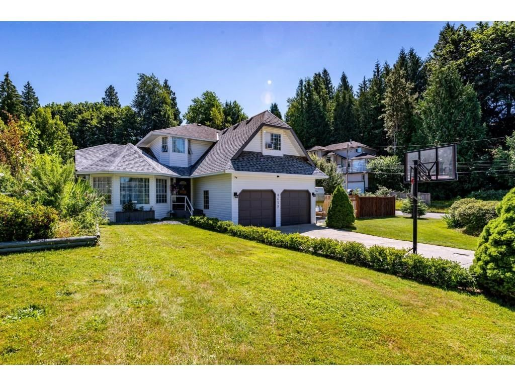 Main Photo: 8052 WAXBERRY Crescent in Mission: Mission BC House for sale : MLS®# R2595627