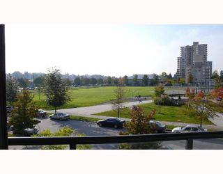 """Photo 6: 305 3520 CROWLEY Drive in Vancouver: Collingwood VE Condo for sale in """"MILLENIO"""" (Vancouver East)  : MLS®# V670239"""