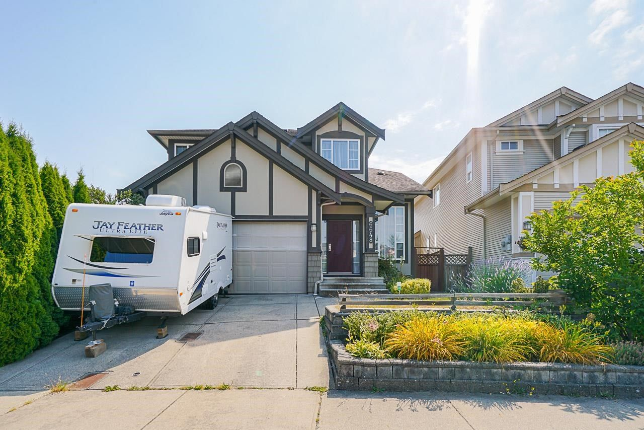 Main Photo: 6648 187A Street in Surrey: Cloverdale BC House for sale (Cloverdale)  : MLS®# R2597805