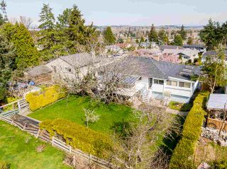"""Photo 38: 1283 PARKER Street: White Rock House for sale in """"EAST BEACH"""" (South Surrey White Rock)  : MLS®# R2562015"""