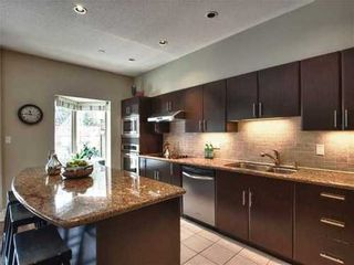 Photo 2: 12 3750 EDGEMONT Blvd in North Vancouver: Home for sale : MLS®# V872866