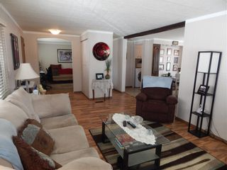 Photo 5: 257 6220 17 Avenue W in Calgary: Red Carpet Mobile for sale : MLS®# C4293054