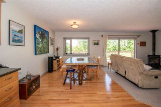 Photo 4: 1517 CHESTNUT Crescent: Telkwa House for sale (Smithers And Area (Zone 54))  : MLS®# R2440764