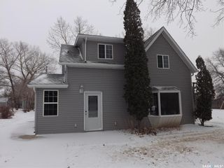 Photo 2: 106 Mainprize Street in Midale: Residential for sale : MLS®# SK845503