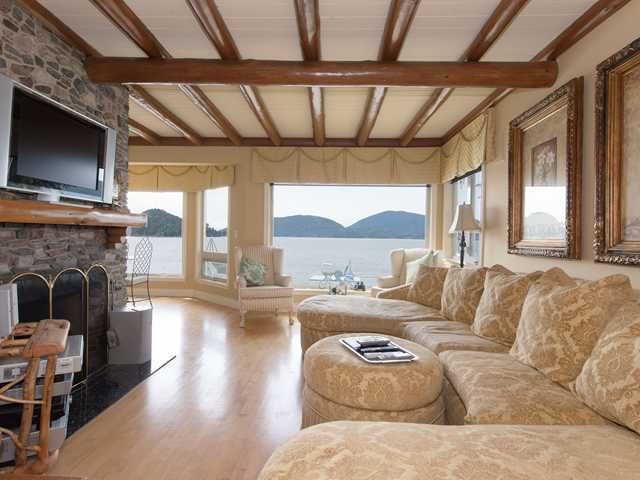 "Photo 9: Photos: 8015 PASCO Road in West Vancouver: Howe Sound House for sale in ""PASCO ESTATES"" : MLS®# V1099779"