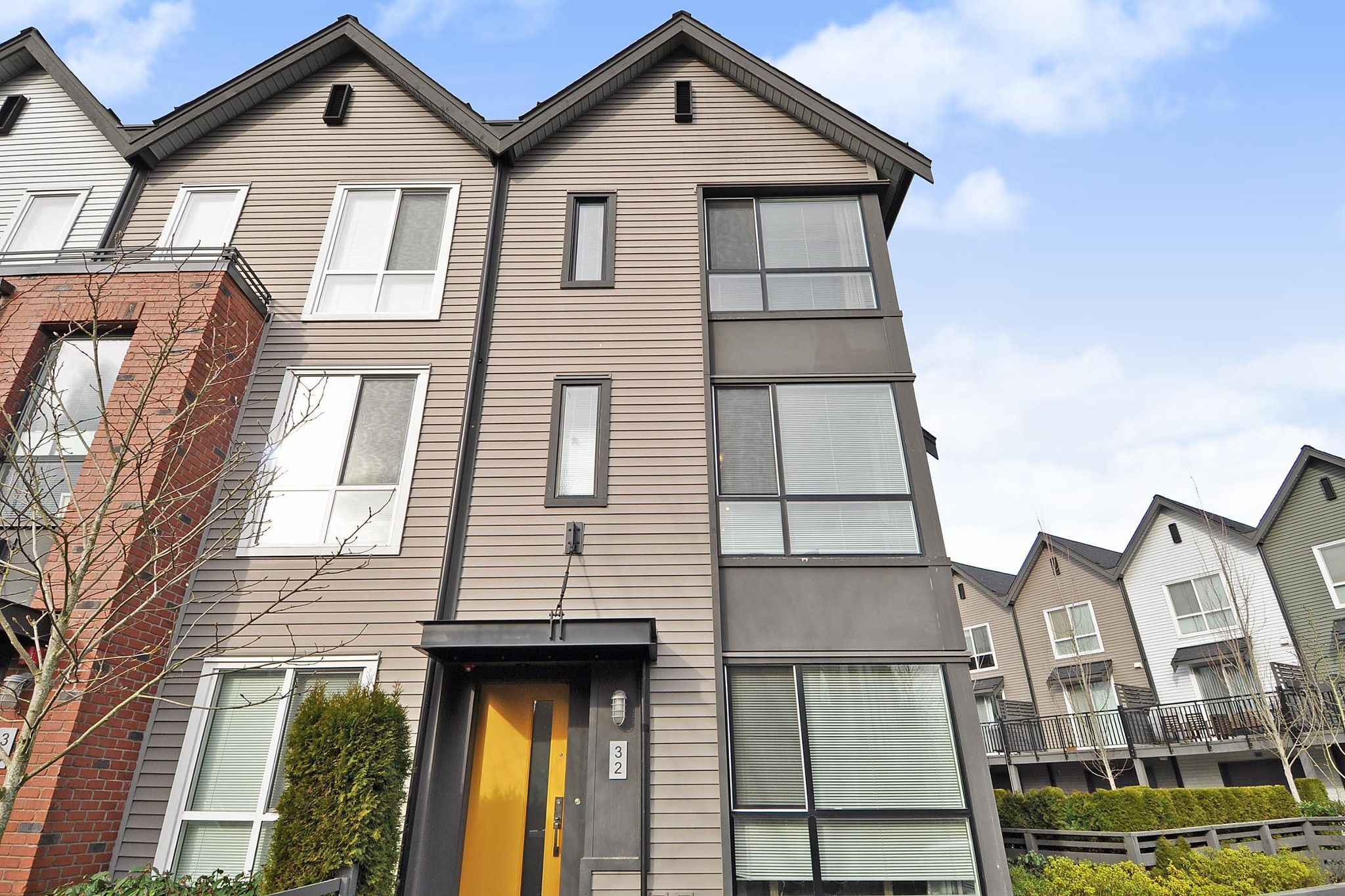"""Main Photo: 32 2325 RANGER Lane in Port Coquitlam: Riverwood Townhouse for sale in """"FREEMONT BLUE"""" : MLS®# R2431249"""