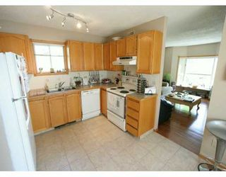 Photo 2:  in CALGARY: South Calgary Residential Detached Single Family for sale (Calgary)  : MLS®# C3214989