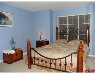 """Photo 3: 8 6651 203RD Street in Langley: Willoughby Heights Townhouse for sale in """"Sunscape"""" : MLS®# F2727651"""