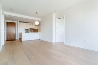 """Photo 8: 807 181 W 1ST Avenue in Vancouver: False Creek Condo for sale in """"BROOK AT THE VILLAGE"""" (Vancouver West)  : MLS®# R2567643"""