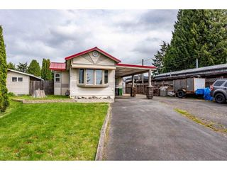 Photo 1: 31519 LOMBARD Avenue in Abbotsford: Poplar Manufactured Home for sale : MLS®# R2572916