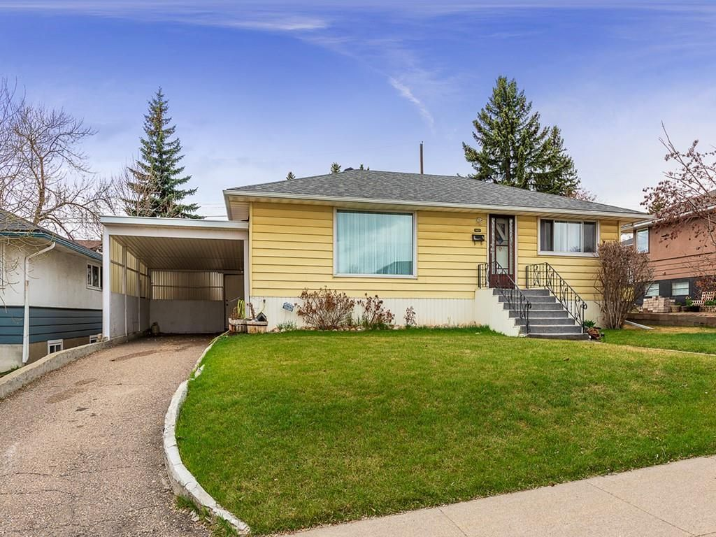 Main Photo: 5019 1 Street NW in Calgary: Thorncliffe Detached for sale : MLS®# C4296395