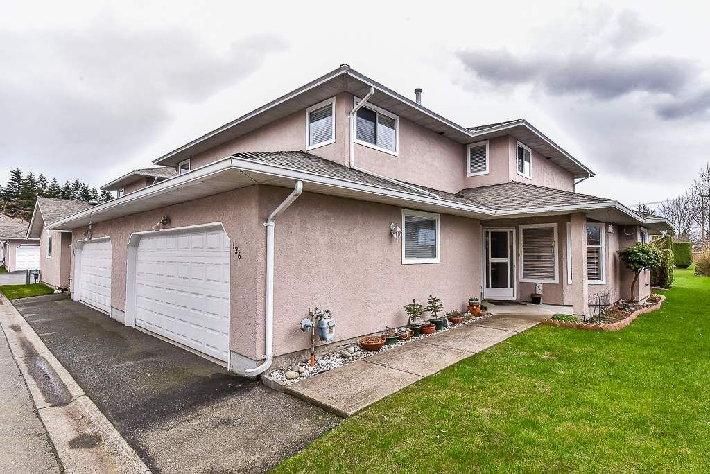 "Main Photo: 126 15501 89A Avenue in Surrey: Fleetwood Tynehead Townhouse for sale in ""AVONDALE"" : MLS®# R2149139"