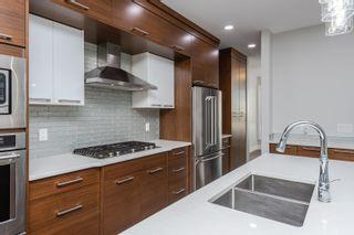 Photo 10: 10615 136 Street in Edmonton: Zone 11 House for sale : MLS®# E4261656