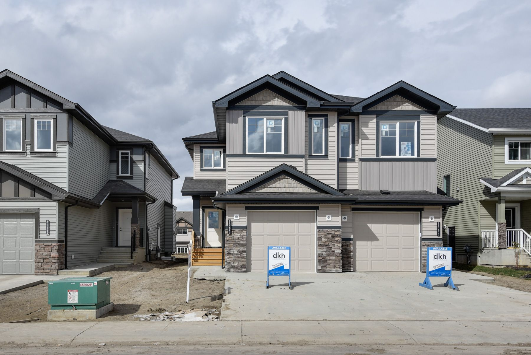 Main Photo: 8565 Cushing Place SW in Edmonton: House for sale
