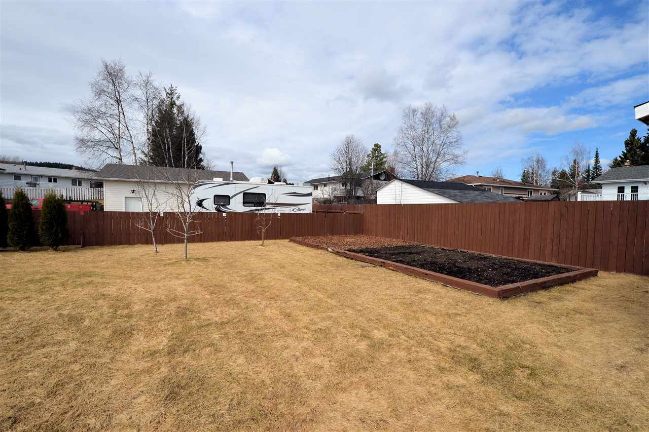 """Photo 19: Photos: 974 INEZ Crescent in Prince George: Lakewood House for sale in """"LAKEWOOD"""" (PG City West (Zone 71))  : MLS®# R2154434"""
