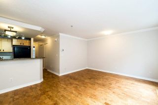 Photo 6: 49 7488 SOUTHWYNDE Avenue in Burnaby: South Slope Townhouse for sale (Burnaby South)  : MLS®# R2152436