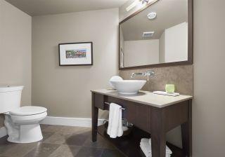 Photo 33: 1086 WANYANDI Way in Edmonton: Zone 22 House for sale : MLS®# E4266293