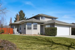 Photo 1: 939 Brooks Pl in : CV Courtenay East House for sale (Comox Valley)  : MLS®# 870919