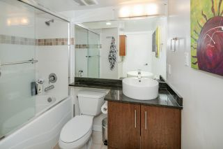 """Photo 16: 902 189 NATIONAL Avenue in Vancouver: Mount Pleasant VE Condo for sale in """"SUSSEX BY Bosa"""" (Vancouver East)  : MLS®# R2141629"""