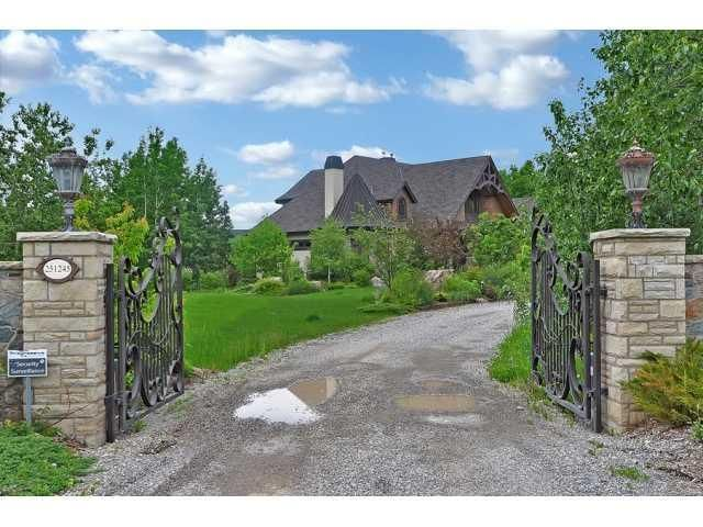 FEATURED LISTING: WELLAND WAY BEARSPAW