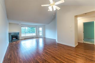 """Photo 4: 20 13640 84 Avenue in Surrey: Bear Creek Green Timbers Condo for sale in """"Trails at Bearcreek"""" : MLS®# R2258365"""