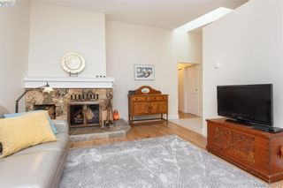 Photo 5: 22 4140 Interurban Rd in VICTORIA: SW Strawberry Vale Row/Townhouse for sale (Saanich West)  : MLS®# 780996