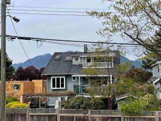 Photo 4: 2829 MCGILL Street in Vancouver: Hastings Sunrise House for sale (Vancouver East)  : MLS®# R2568632