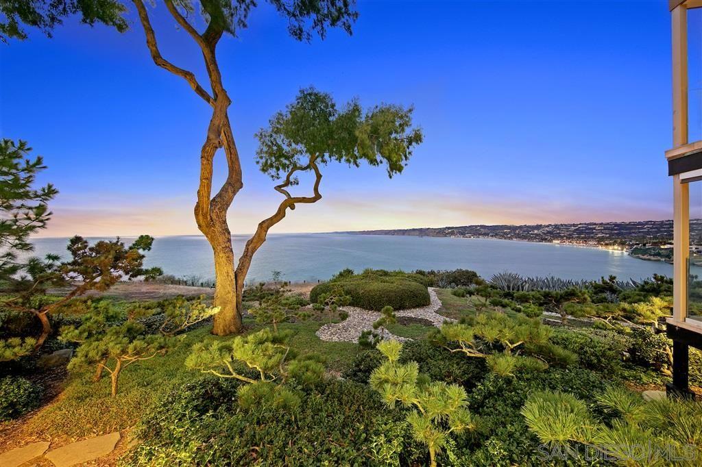 Main Photo: LA JOLLA Condo for sale : 3 bedrooms : 7933 Prospect Pl #1