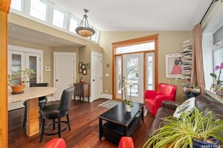 Photo 2: 823 6th Avenue North in Saskatoon: City Park Residential for sale : MLS®# SK864046