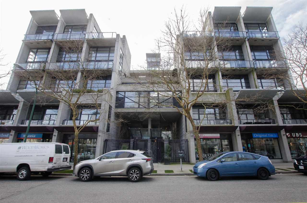 "Main Photo: 213 428 W 8TH Avenue in Vancouver: Mount Pleasant VW Condo for sale in ""XL LOFTS"" (Vancouver West)  : MLS®# R2245419"