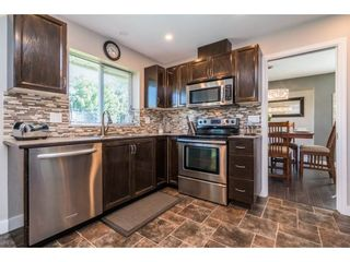 """Photo 8: 6132 185A Street in Surrey: Cloverdale BC House for sale in """"Eagle Crest"""" (Cloverdale)  : MLS®# R2204506"""