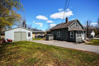 Photo 1: 10 HOLMES HILL Road in Hantsport: 403-Hants County Residential for sale (Annapolis Valley)  : MLS®# 202005172