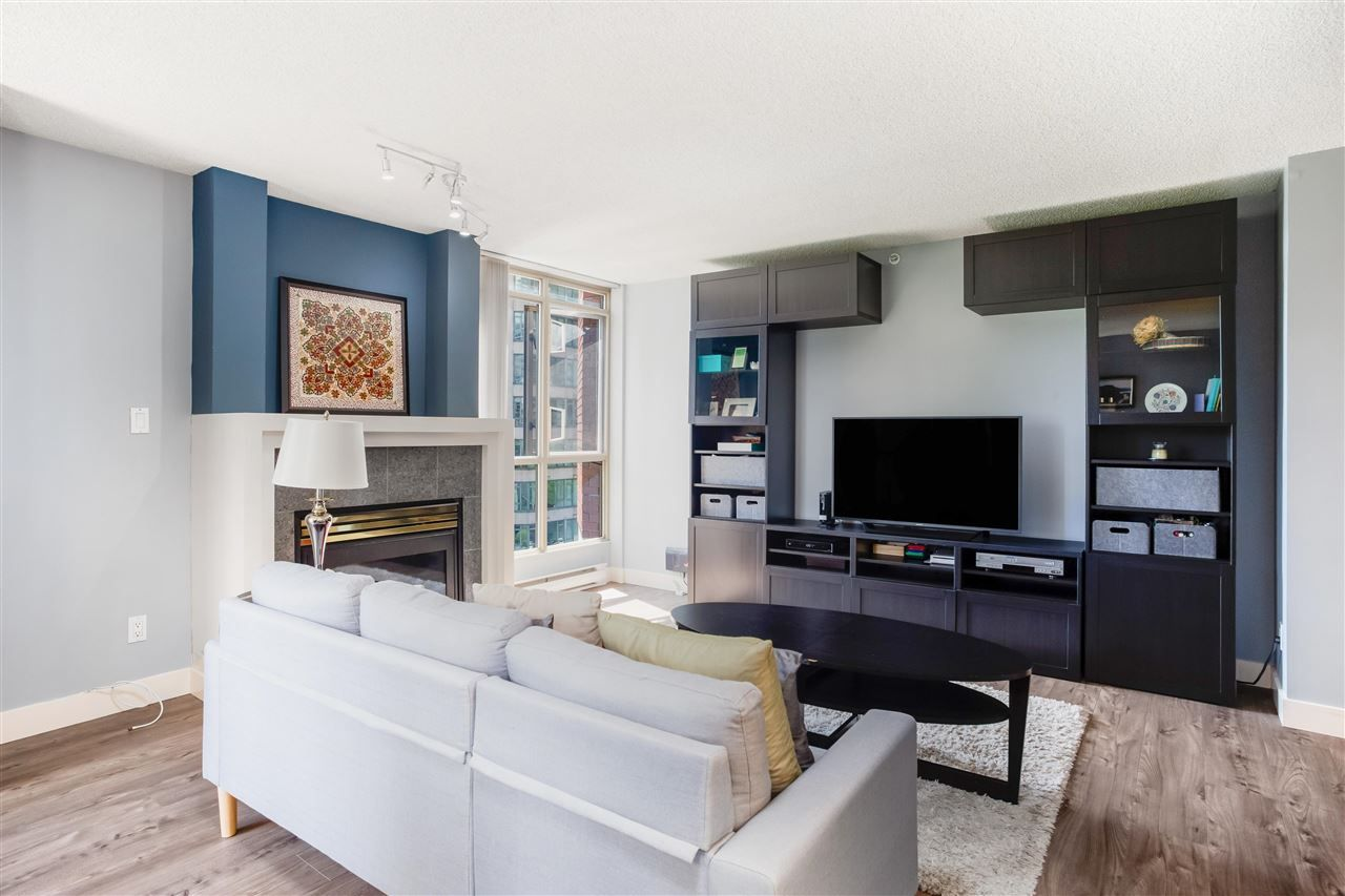 """Photo 5: Photos: 901 867 HAMILTON Street in Vancouver: Downtown VW Condo for sale in """"Jardine's Lookout"""" (Vancouver West)  : MLS®# R2588000"""