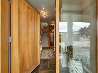 """Photo 6: 6498 WILDFLOWER Place in Sechelt: Sechelt District Townhouse for sale in """"Wakefield Beach - Second Wave"""" (Sunshine Coast)  : MLS®# R2589812"""