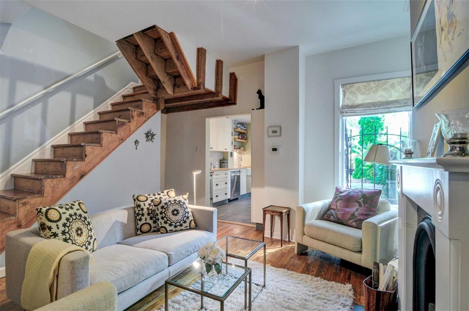 Main Photo: 145 Spruce Street in Toronto: Cabbagetown-South St. James Town House (2-Storey) for sale (Toronto C08)  : MLS®# C4589051