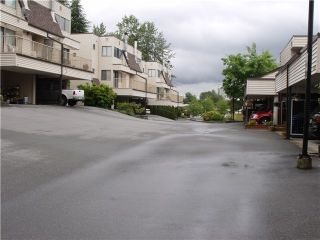 "Photo 3: 228 1220 FALCON Drive in Coquitlam: Upper Eagle Ridge Townhouse for sale in ""EAGLE RIDGE TERRACE"" : MLS®# V957080"