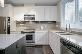 """Photo 3: 9 3395 GALLOWAY Avenue in Coquitlam: Burke Mountain Townhouse for sale in """"Wynwood"""" : MLS®# R2389114"""