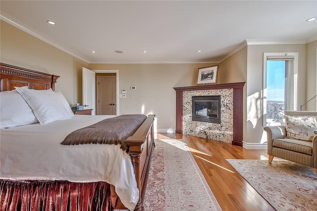 Photo 25: Photos: 153 SIGNATURE Close SW in Calgary: Signal Hill Detached for sale : MLS®# C4283177