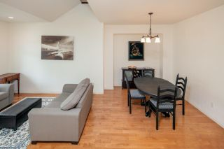 """Photo 6: 7038 181B Street in Surrey: Cloverdale BC House for sale in """"Cloverdale"""" (Cloverdale)  : MLS®# R2574899"""